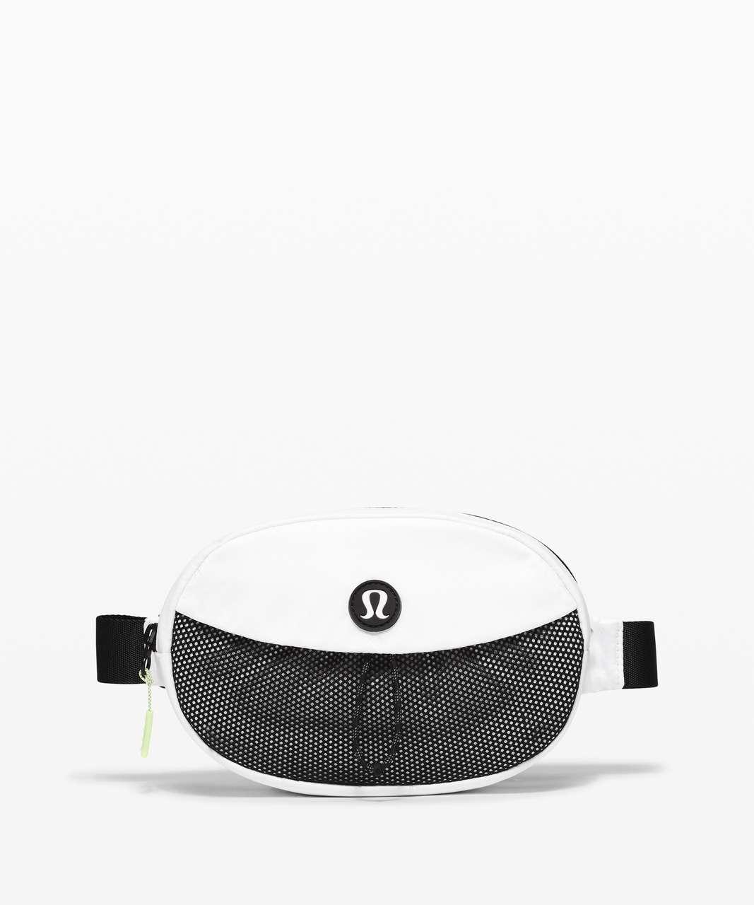 Lululemon Take It On Belt Bag *1L - White / Black