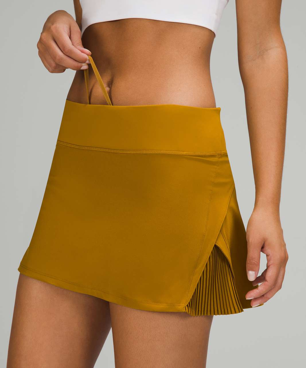 Lululemon Play Off The Pleats Mid Rise Skirt - Gold Spice