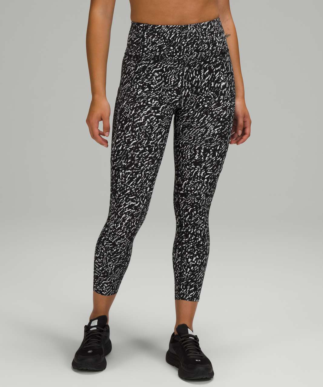 """Lululemon Fast and Free High Rise Crop 23"""" - Speckle Trail Black Multi"""