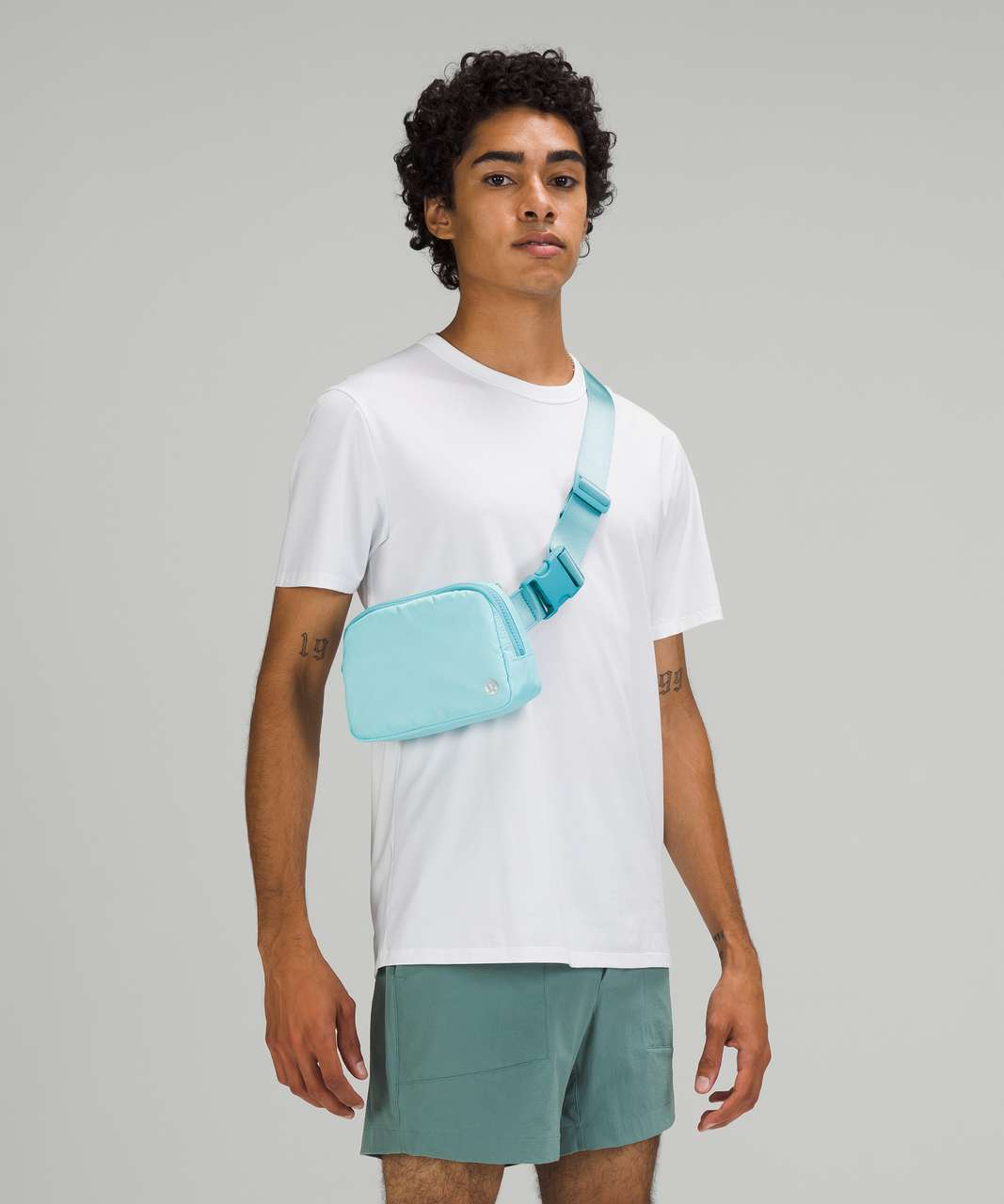 Lululemon Everywhere Belt Bag 1L - Icing Blue / Eton Blue