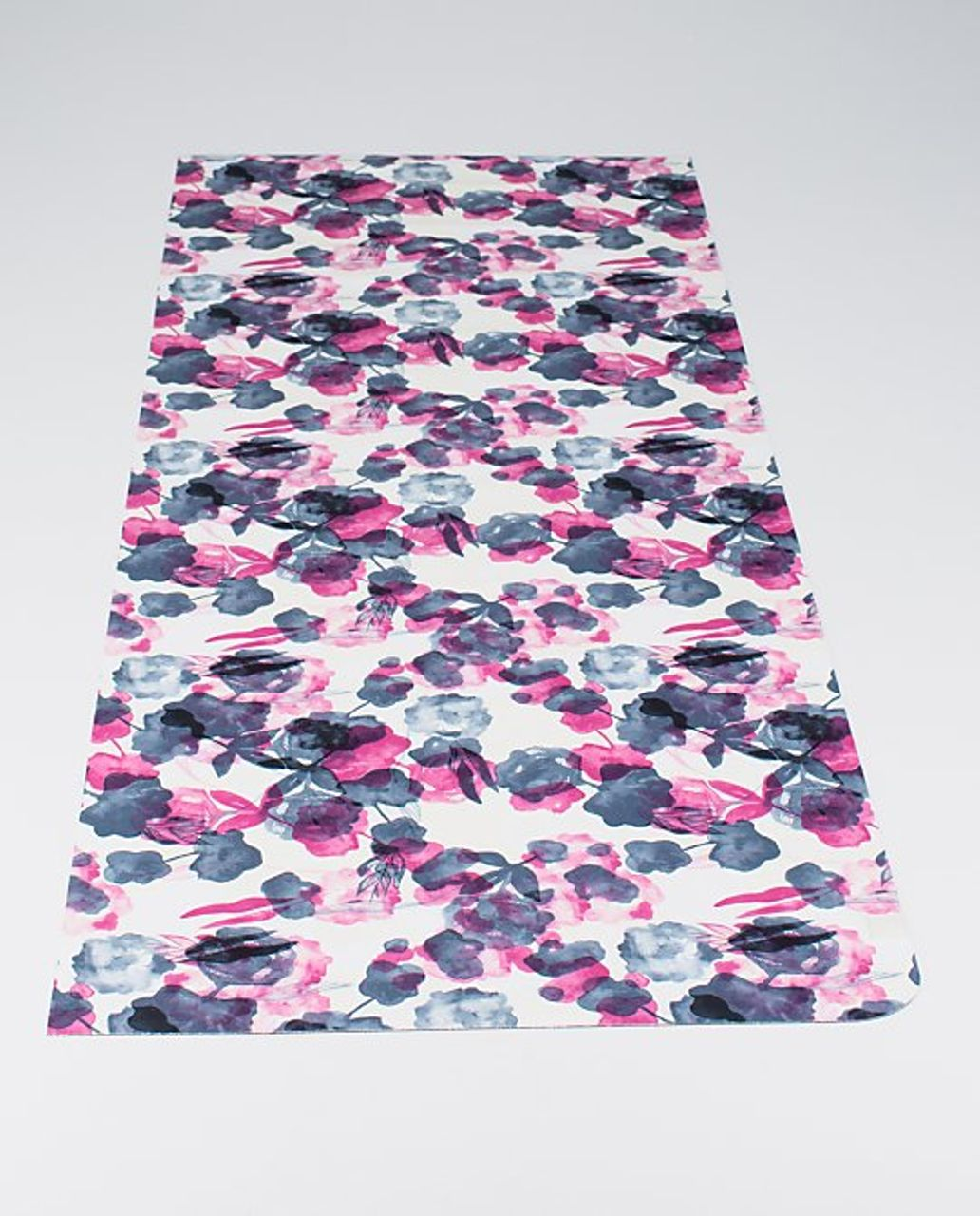 e869a51968 Lululemon The Hot (Towel) Mat - Inky Floral Ghost Inkwell Bumble Berry /  Inkwell