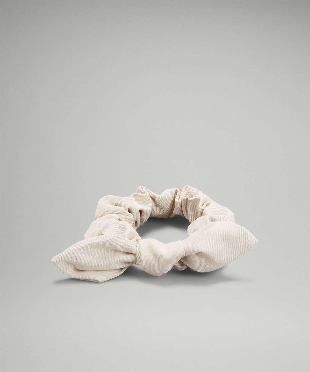 Lululemon Uplifting Scrunchie Bow *Twill Fabric - White Opal