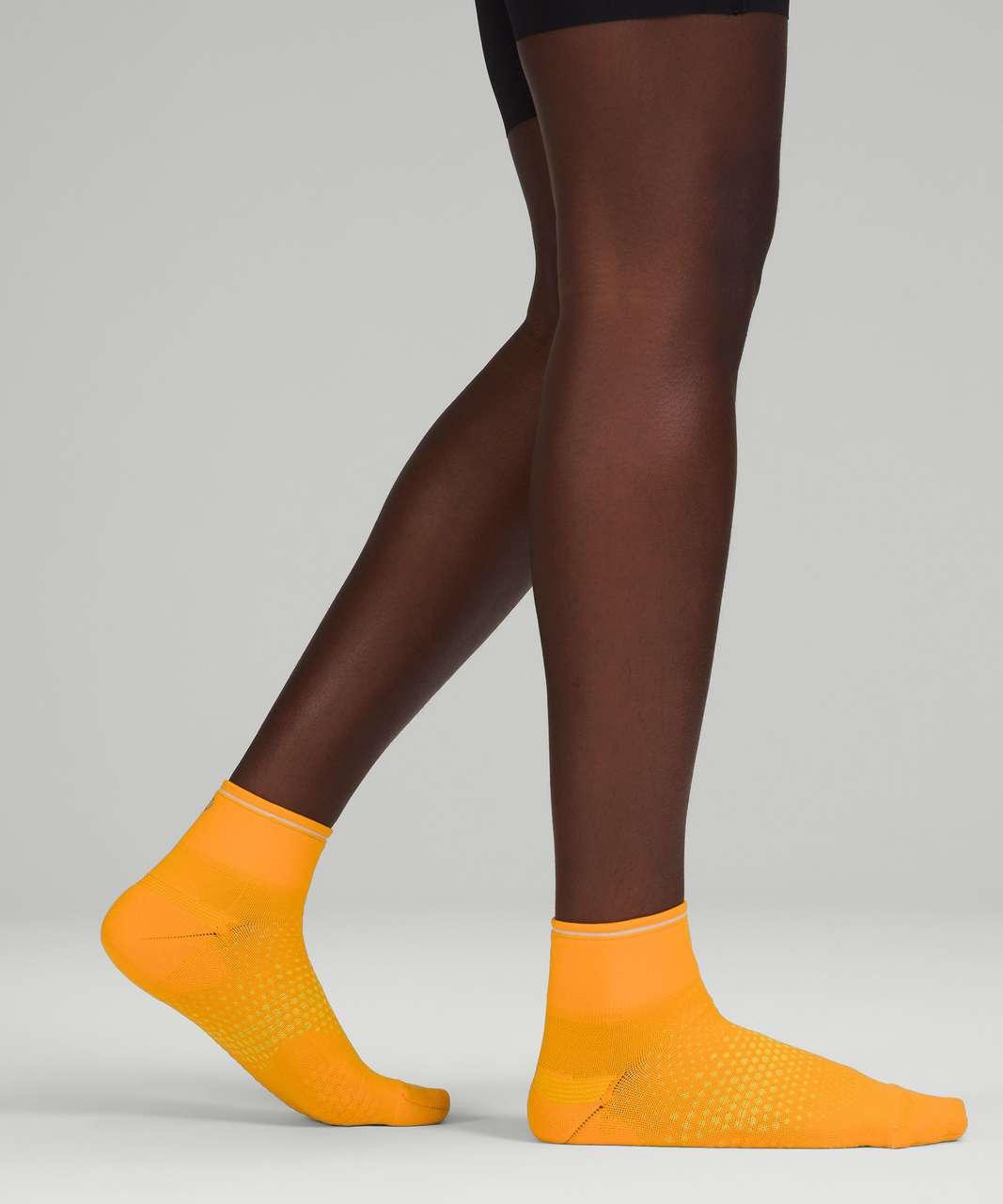 Lululemon MacroPillow Ankle Run Sock *Medium Cushioning - Clementine