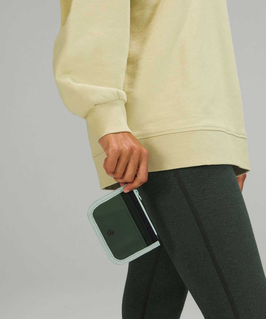Lululemon True Identity Card Case - Green Twill / Rainforest Green / Black