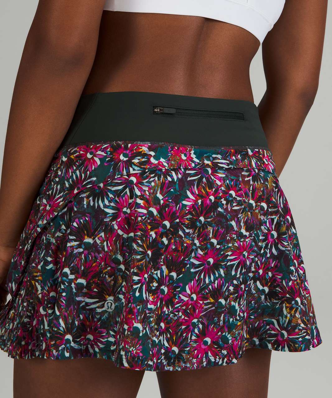 Lululemon Play Off the Pleats Mid-Rise Skirt - Floral Electric Multi / Rainforest Green