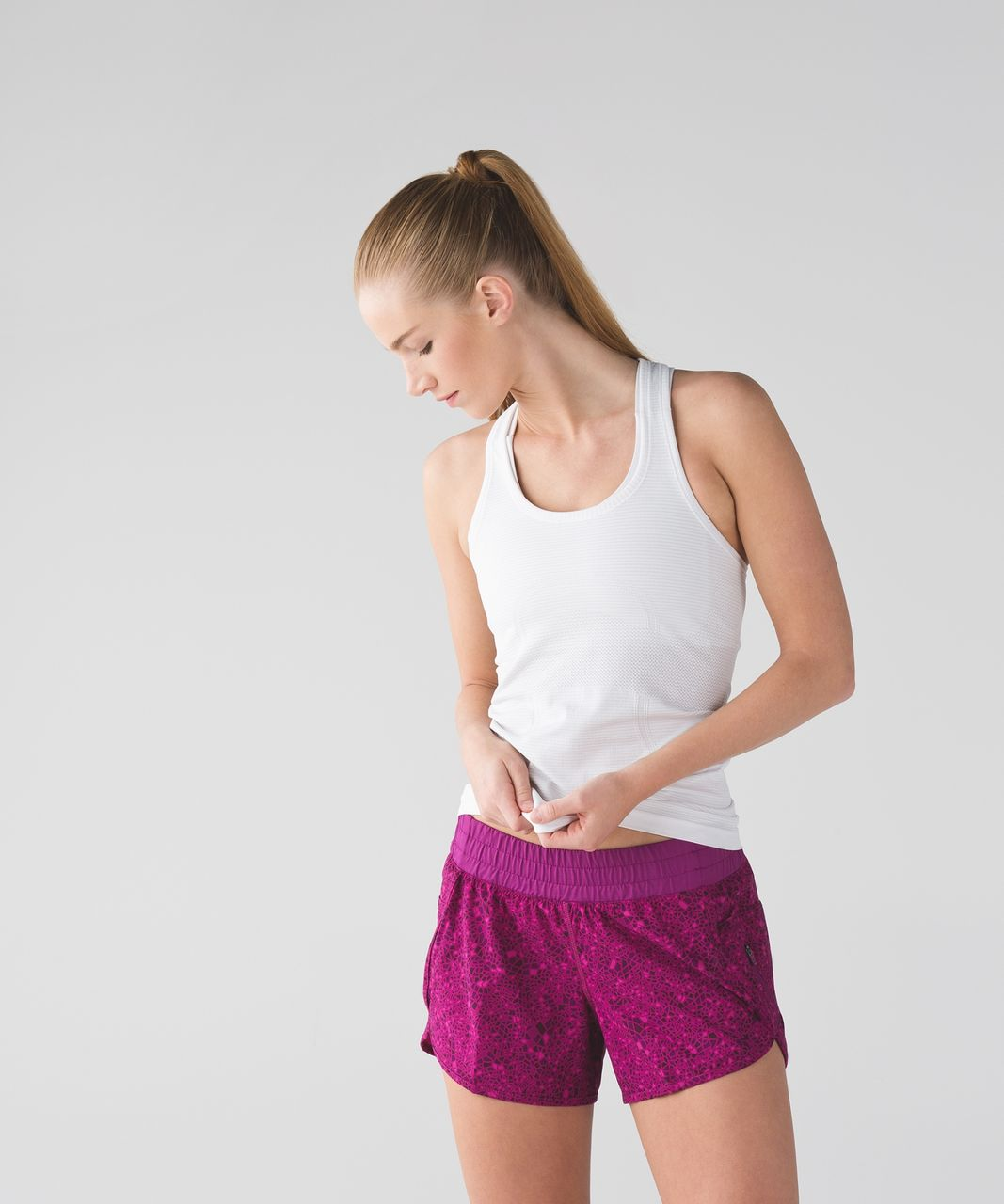 Lululemon Tracker Short III - Paradise Geo Regal Plum Multi / Regal Plum