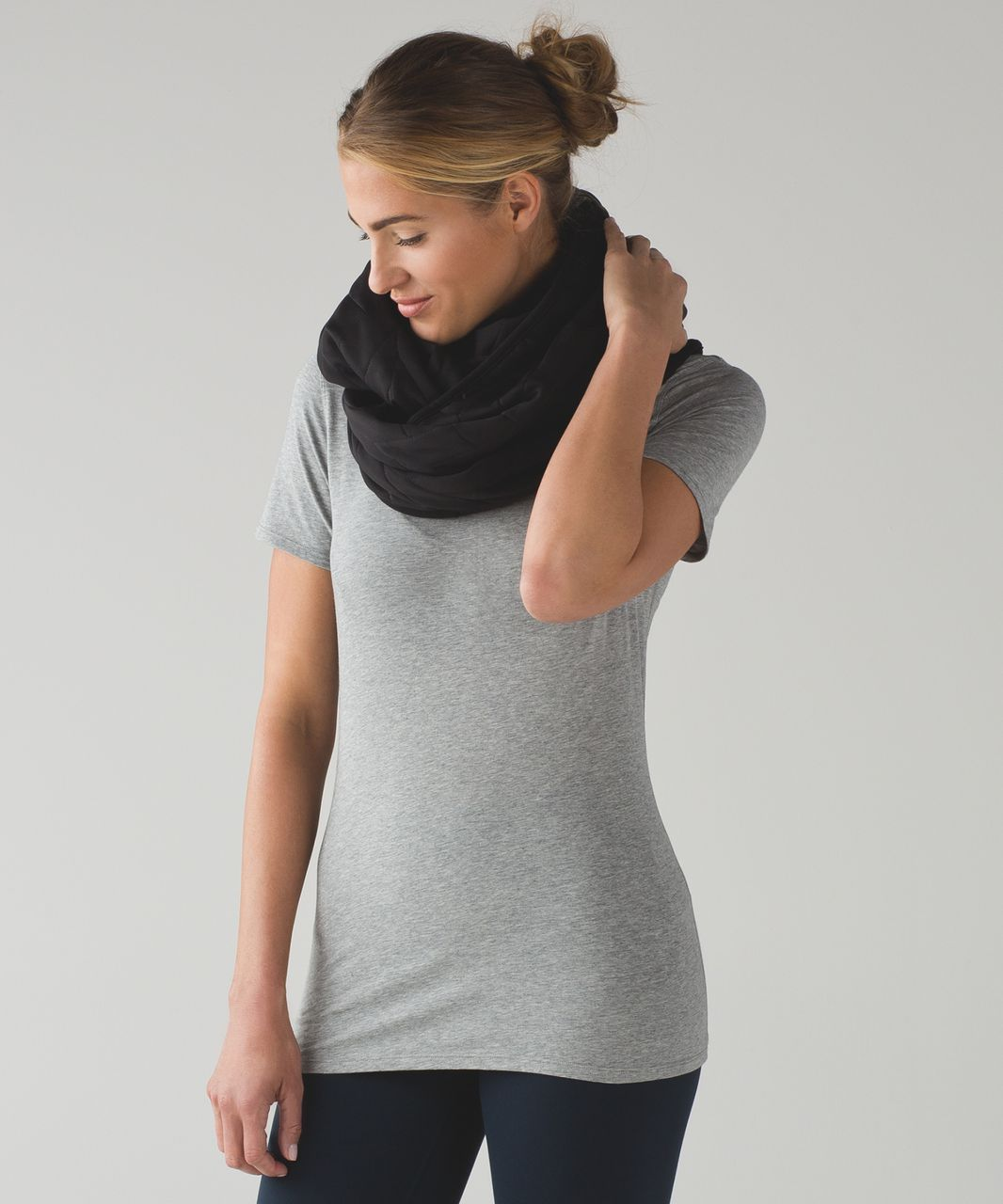 Lululemon Vinyasa Scarf (Quilt) - Black
