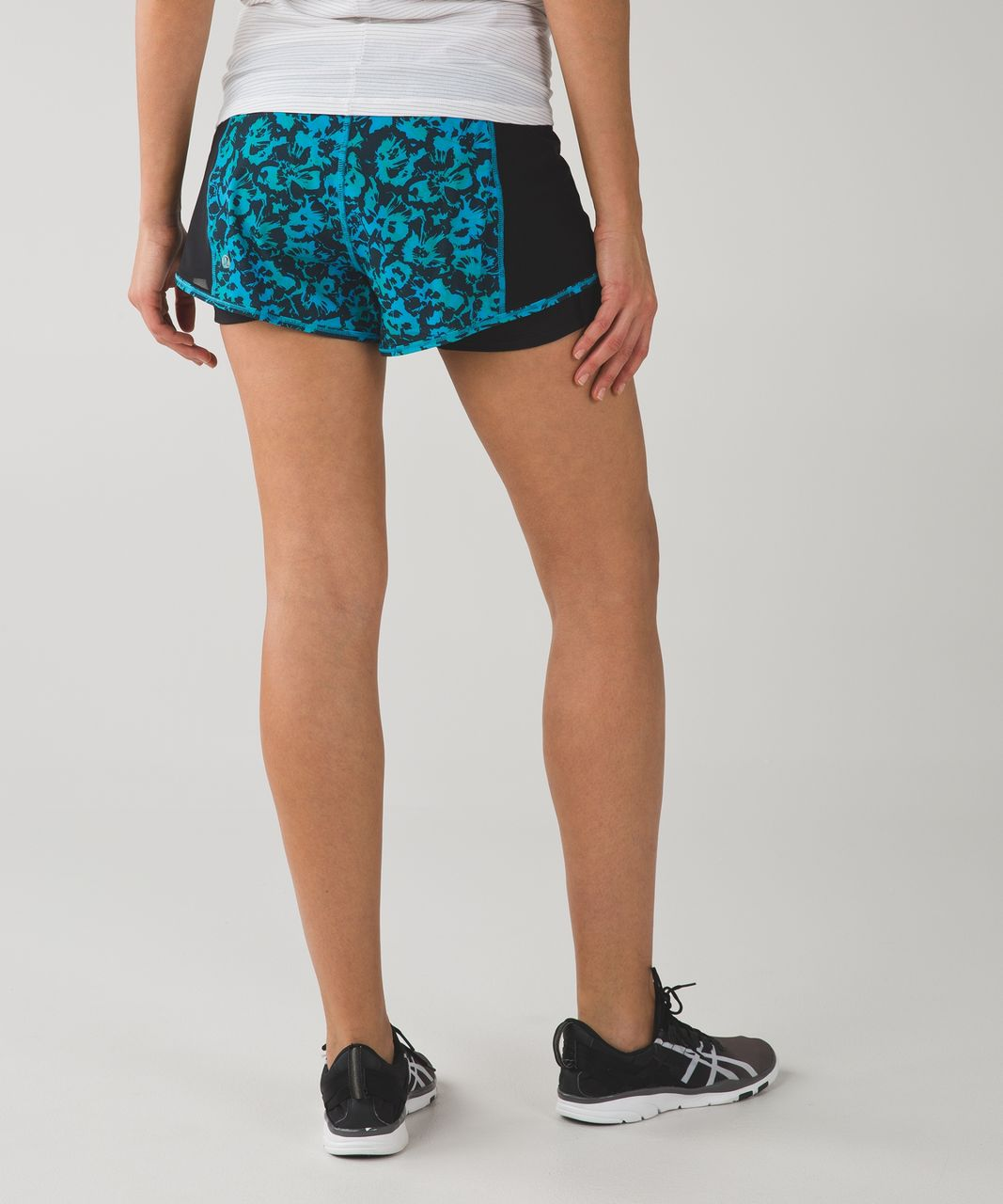 Lululemon Meshed Up Short - Fleur Sombre Kayak Blue Dragonfly / Black / Dragonfly