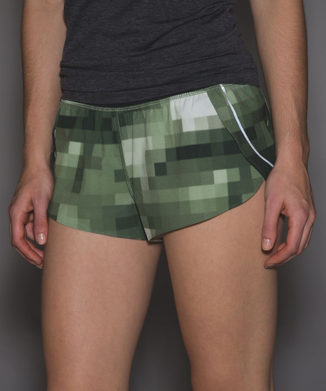 Lululemon Split Second Short II - Domo Pixel Desert Olive Multi / Black