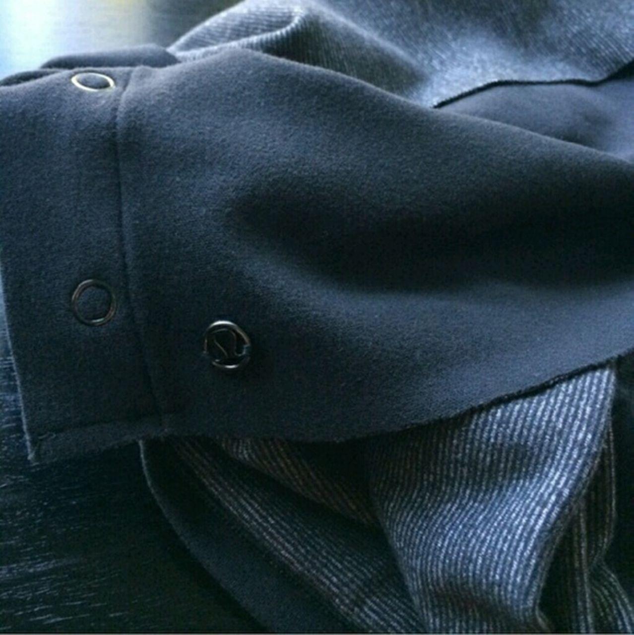 Lululemon Vinyasa Scarf *Rulu - Wee Stripe Black White / Black