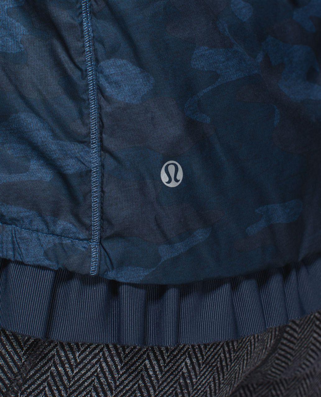 Lululemon Spring Fling Puffy Windbreaker - Heathered Texture Lotus Camo Oil Slick Blue