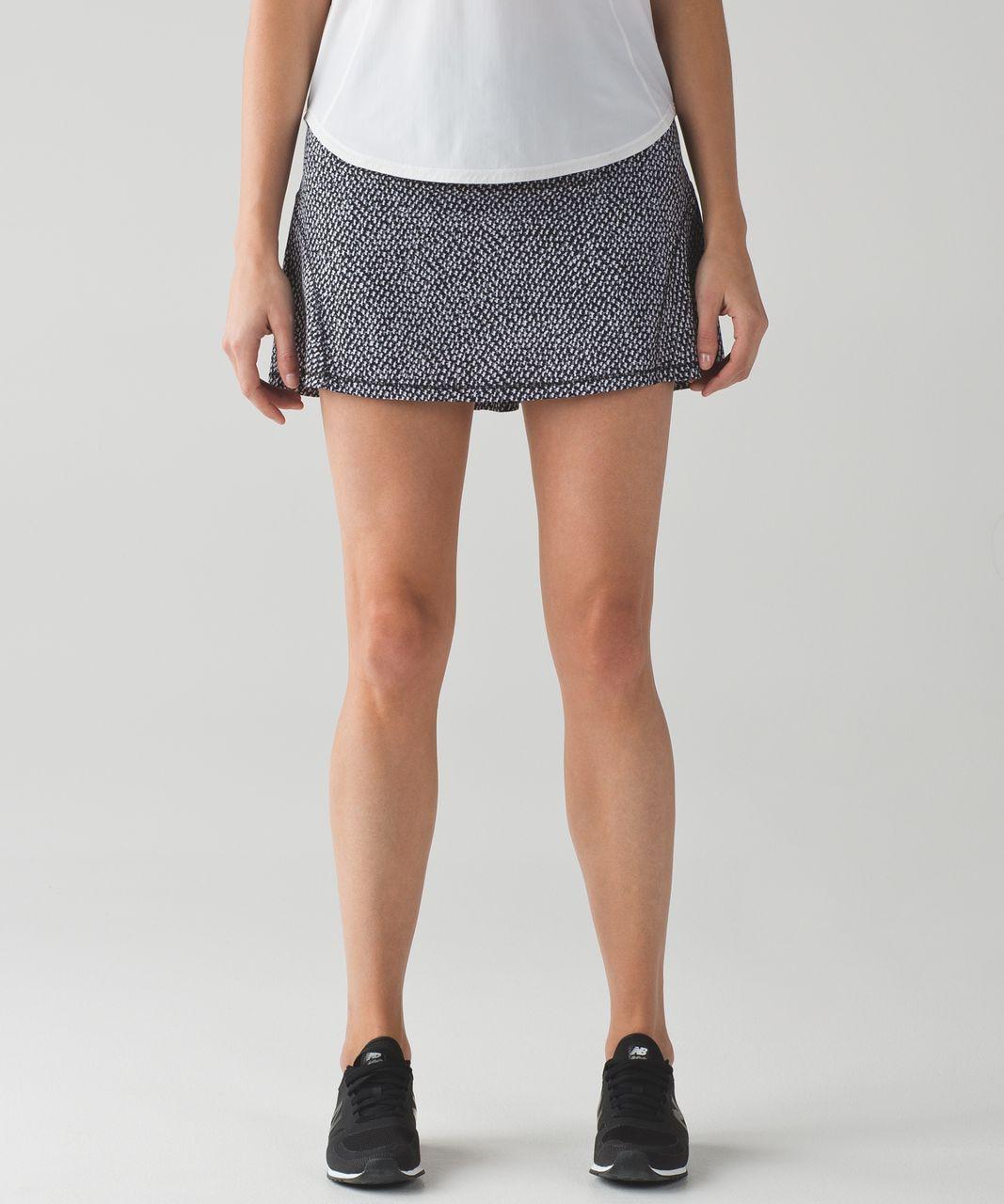 """Lululemon Circuit Breaker Skirt (Tall) (15"""") - Scatter Star Arctic Grey Black / Black"""