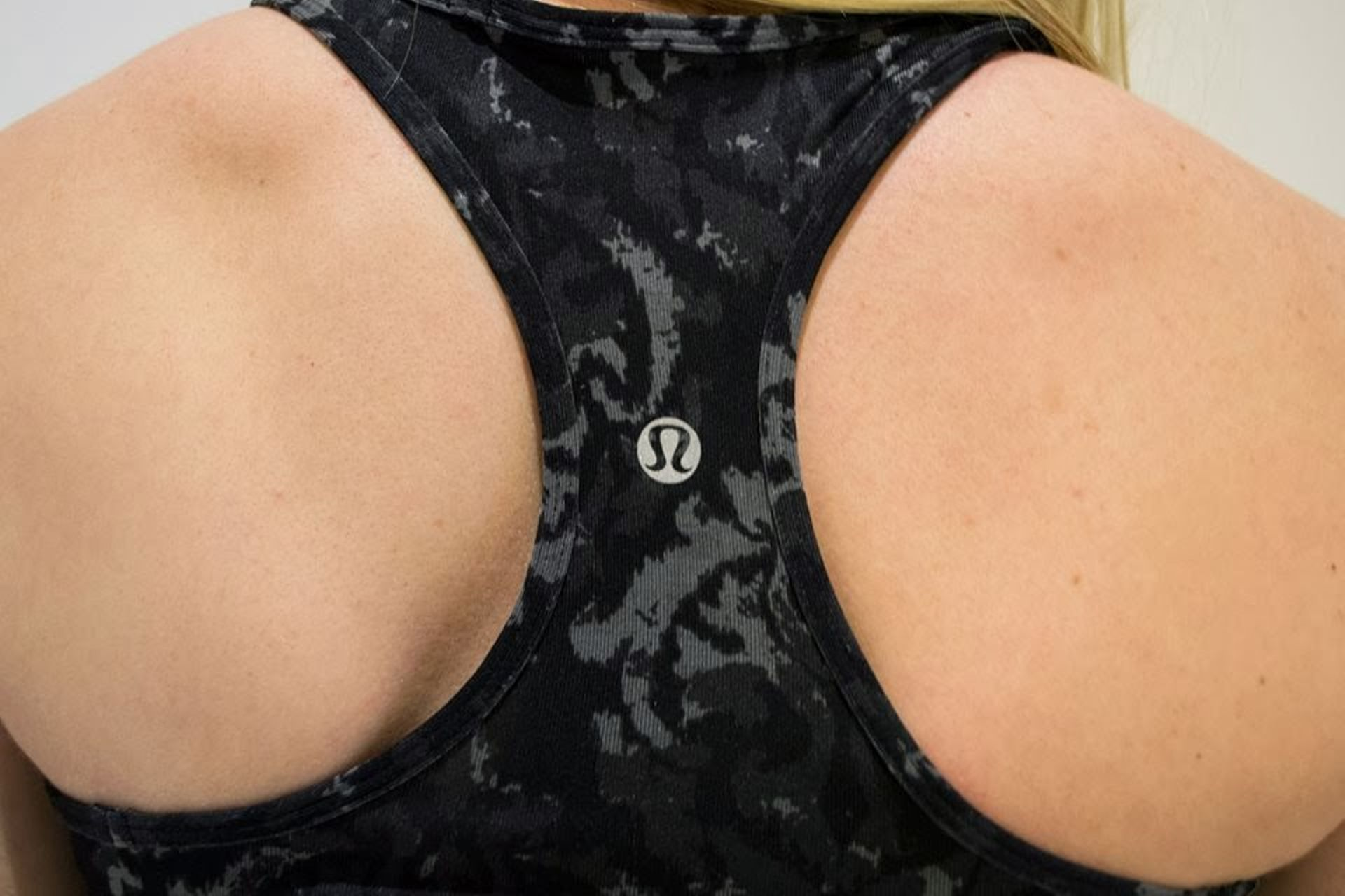 Lululemon Cool Racerback - Black Beautiful Baroque