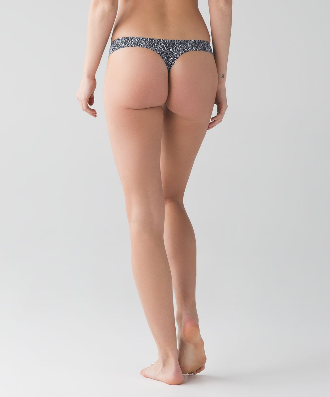 Lululemon Namastay Put Thong - Freckle Flower Black White