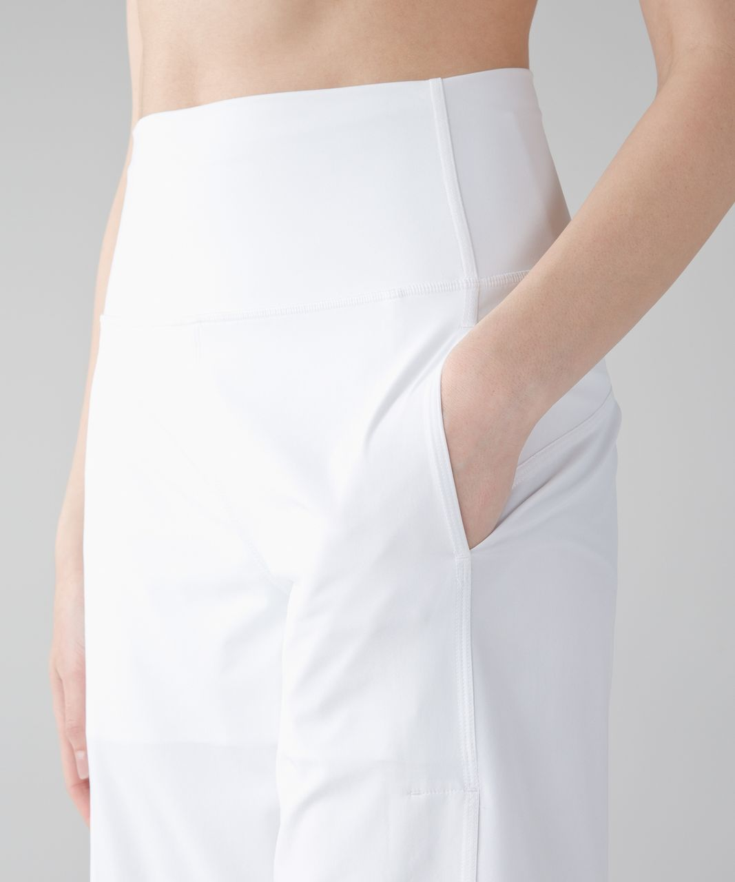 Lululemon Serene Crop - White