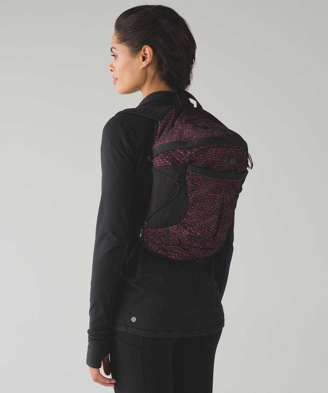 Lululemon Run All Day Backpack - Shatter Weave Dust Coral Plum / Black