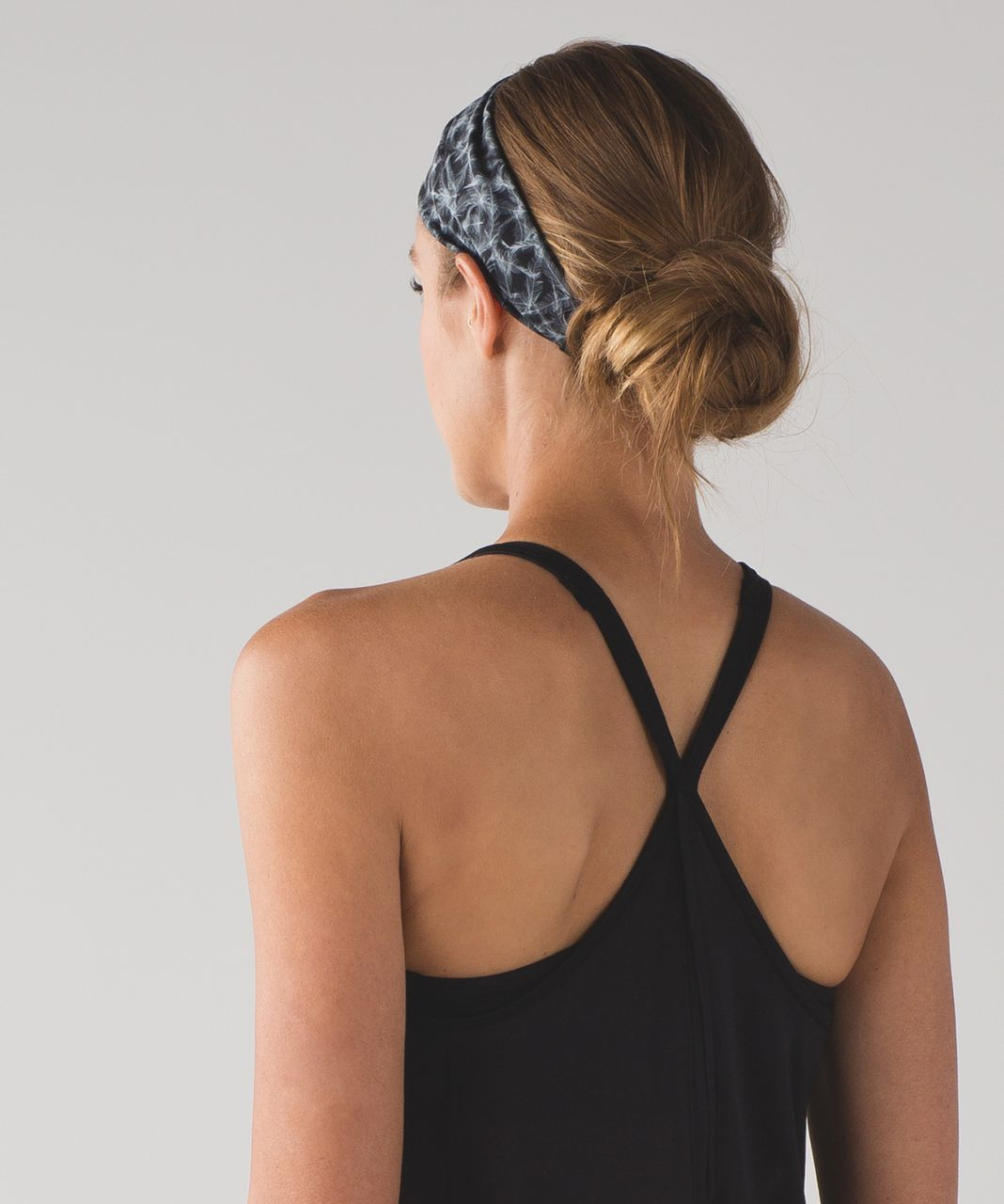 Lululemon Fringe Fighter Headband (Nulux) - Plume White Black