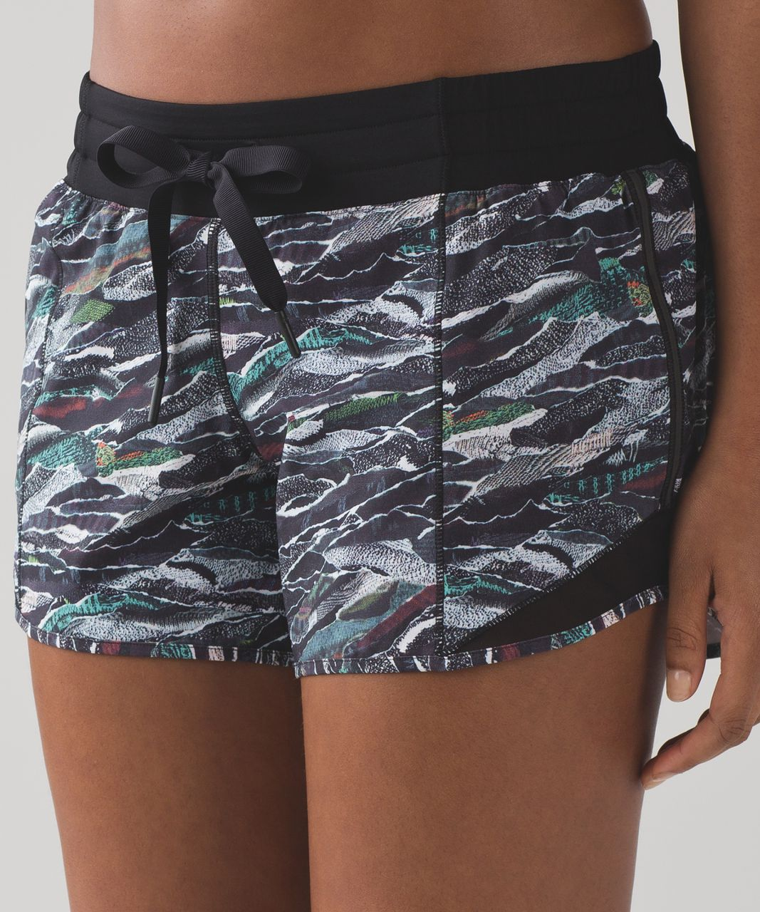 "Lululemon Hotty Hot Short (Long 4"") - Mini Sweatr Multi Black / Black"