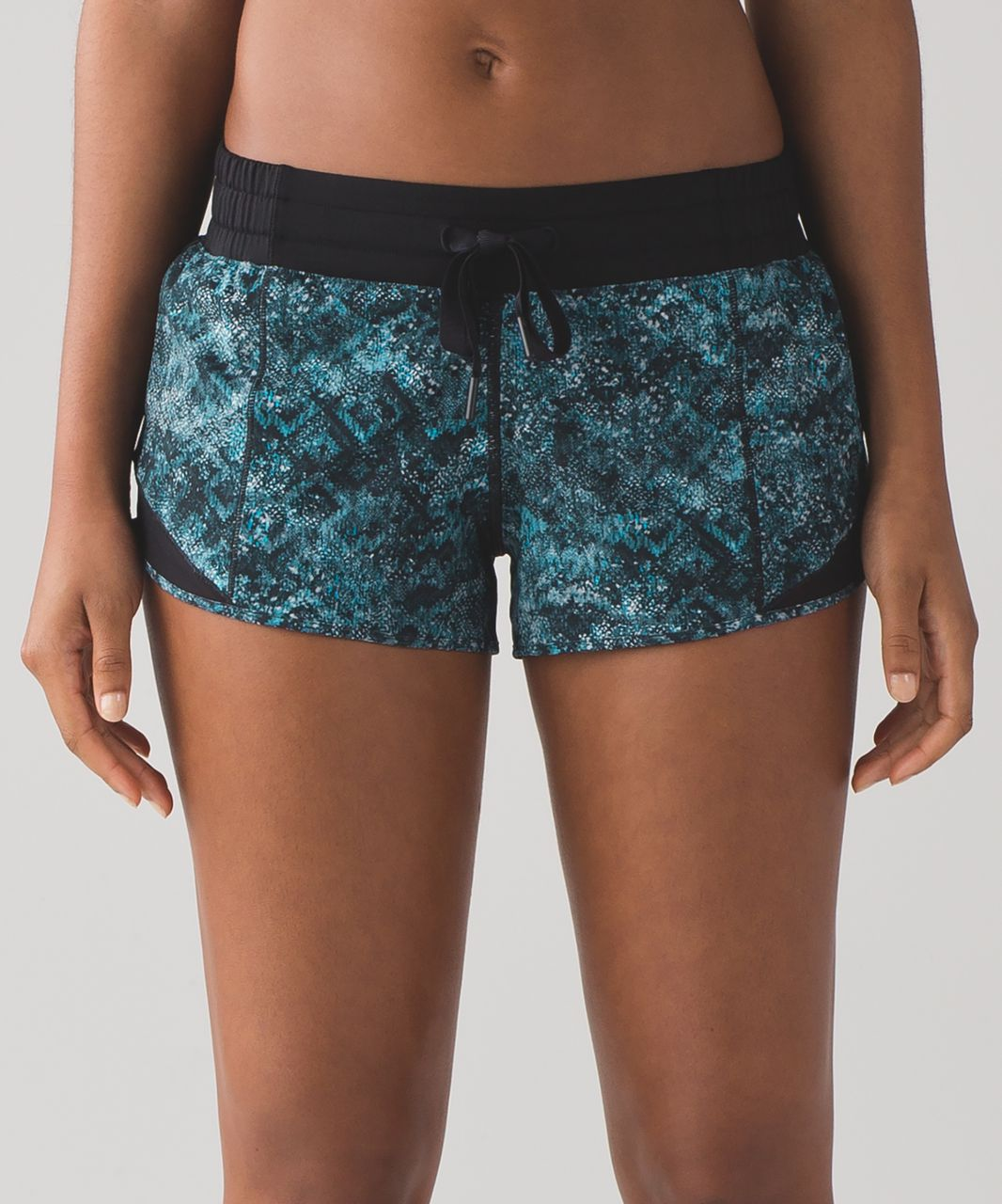 "Lululemon Hotty Hot Short (2 1/2"") - Fairisle Multi Black / Black"