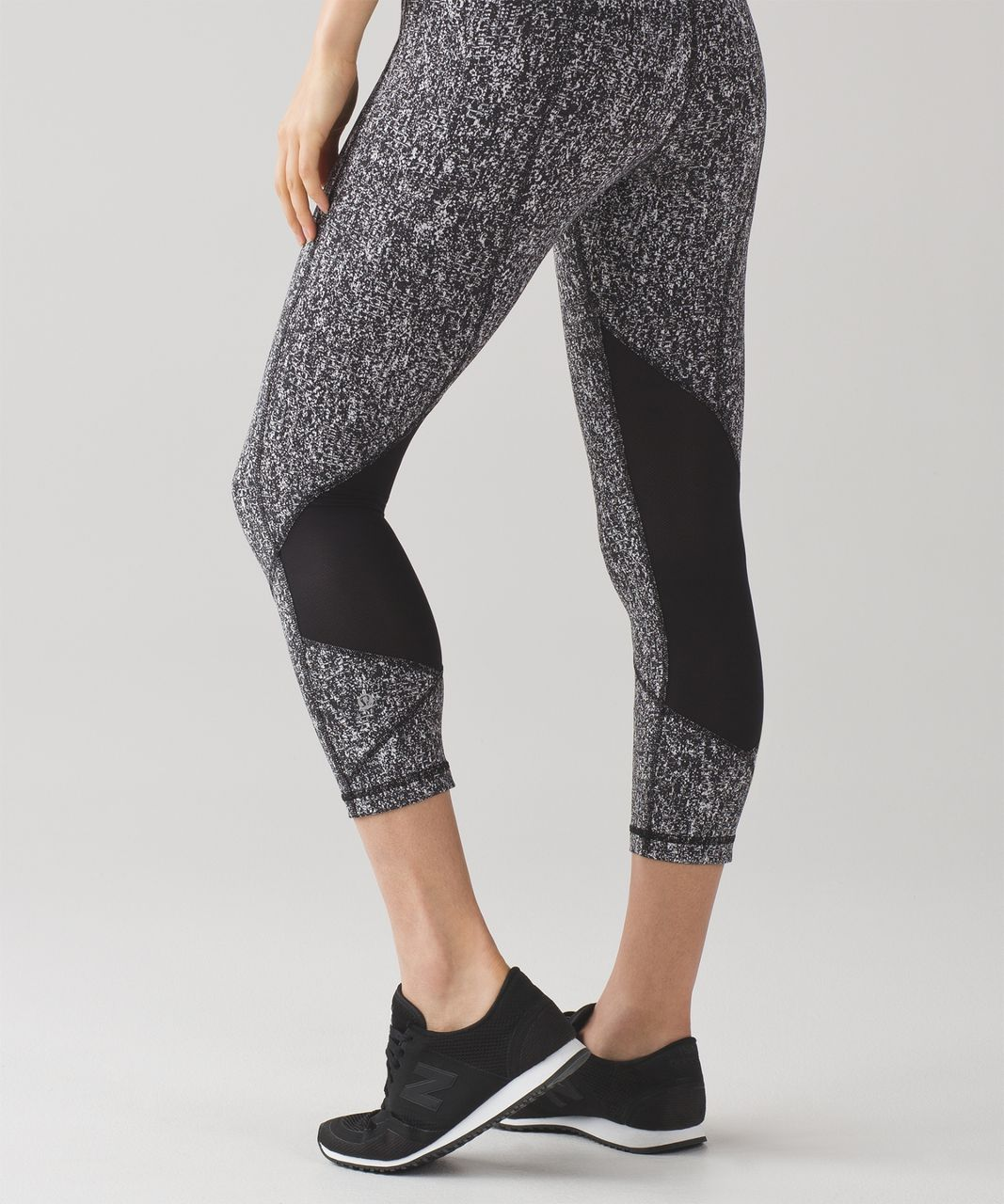 "Lululemon Pace Rival Crop (19"") - Power Luxtreme Suited Jacquard Black White / Black"