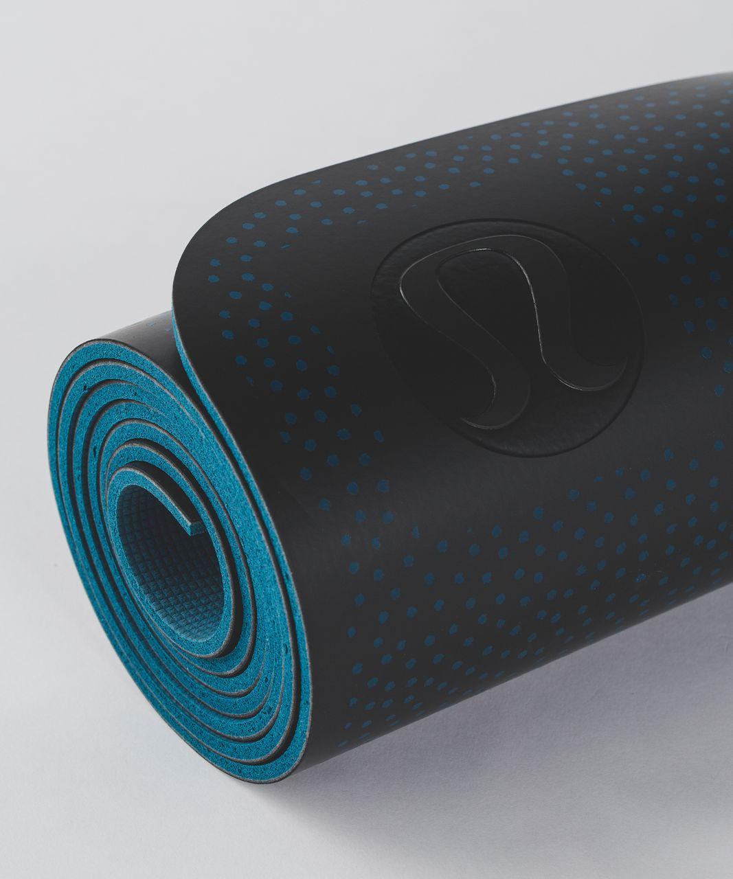 Lululemon The Reversible Mat 5mm Frozen Fizz Capri Black