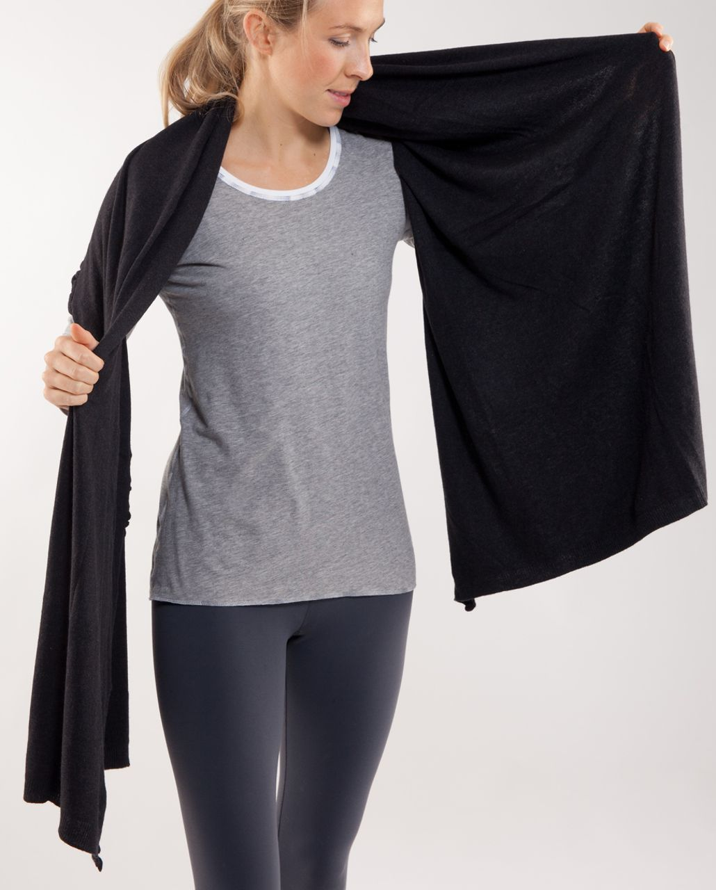 Lululemon Allegro Scarf - Heathered Black