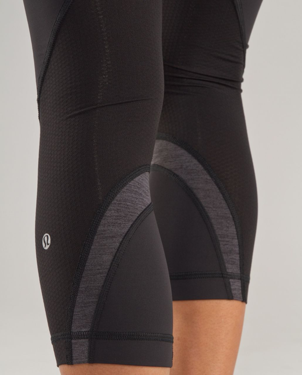 Lululemon Run: Inspire Crop II - Black / Heathered Dark Black / Black Swan