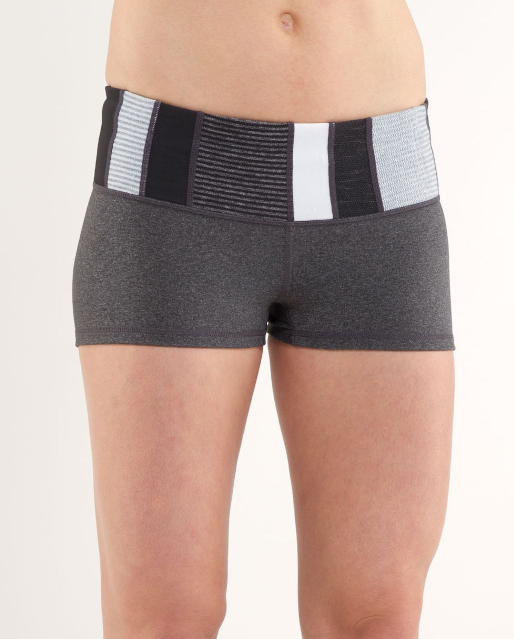 Lululemon Boogie Short - Heathered Deep Coal /  Quilting Winter 4 /  White Heathered Blurred Grey Mini Check