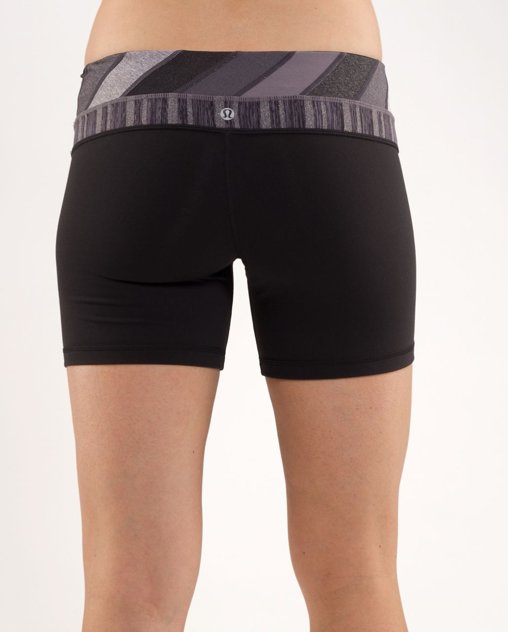 Lululemon Groove Short - Black /  Quilt 16