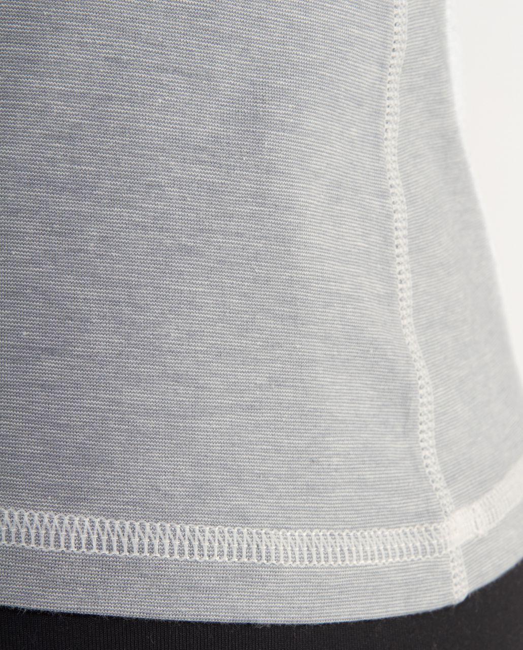 Lululemon Lively Crewneck Tee *Vitasea - Ghost Blurred Grey Mini Stripe