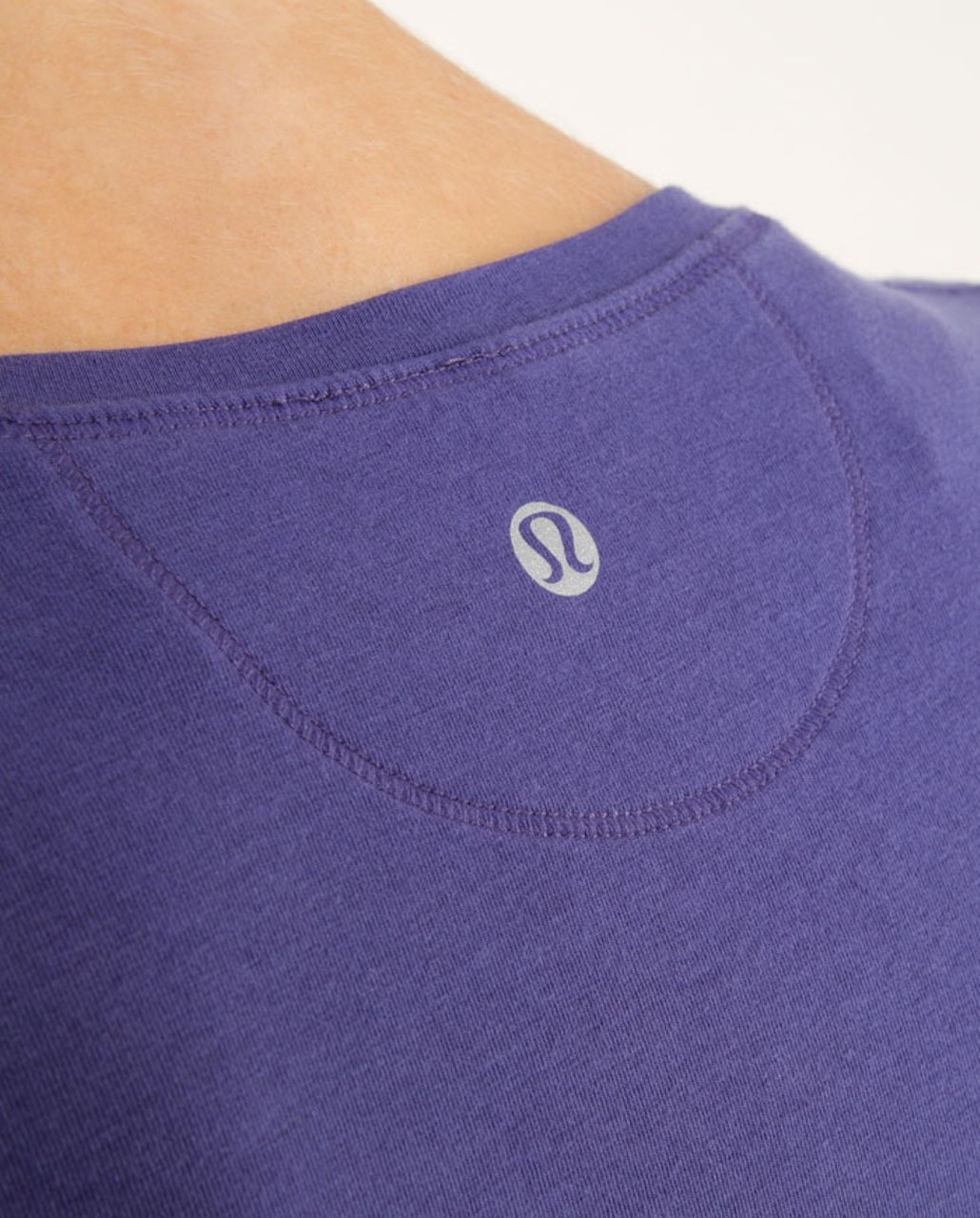 Lululemon Lively Crewneck Tee *Vitasea - Royalty