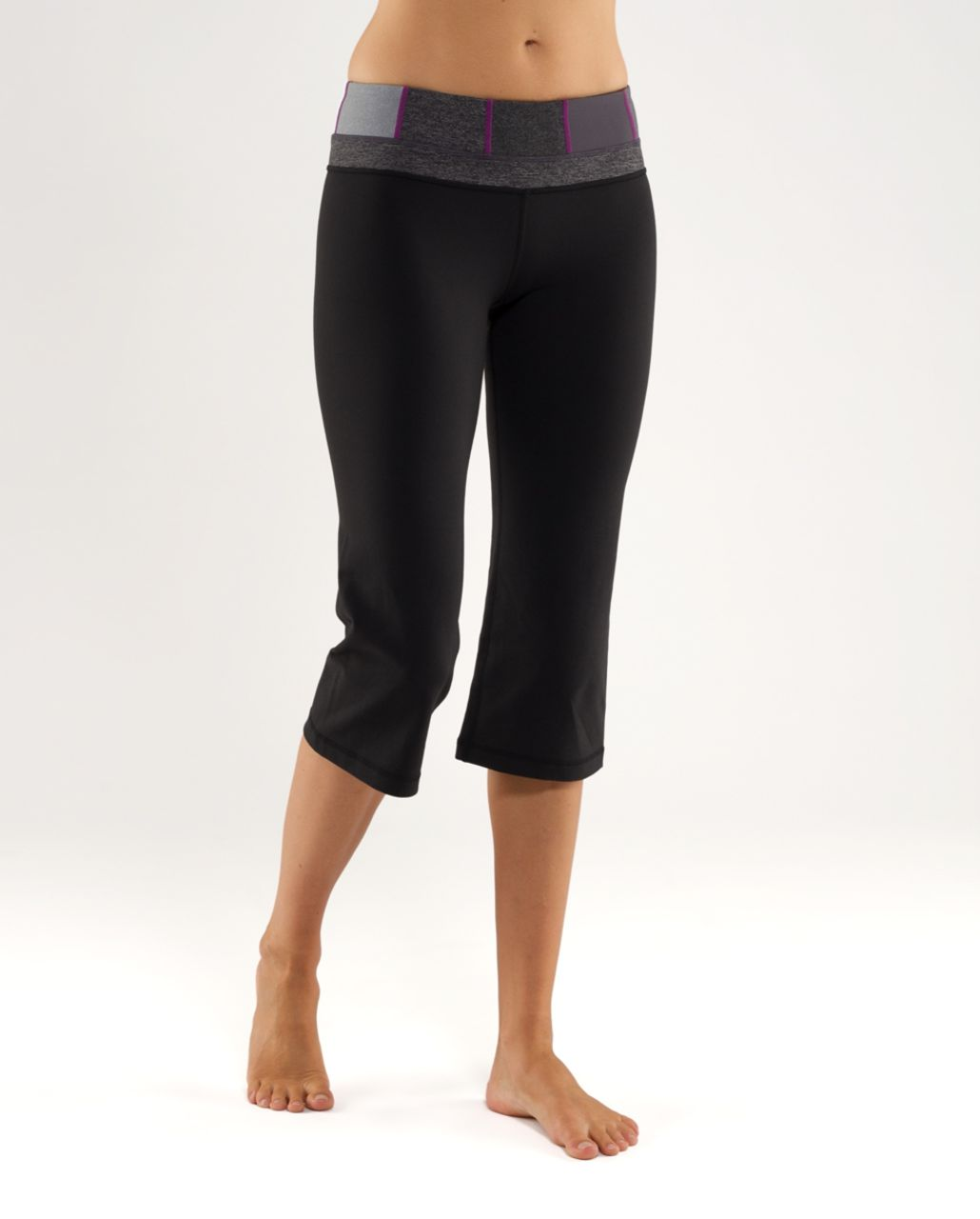 Lululemon Groove Crop - Black /  Quilt 24 /  Coal Wee Stripe