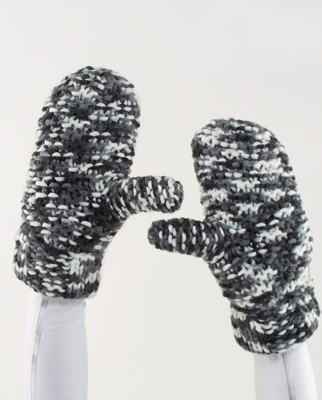 Lululemon Toasty Mitts - Black Coal White Space Dye