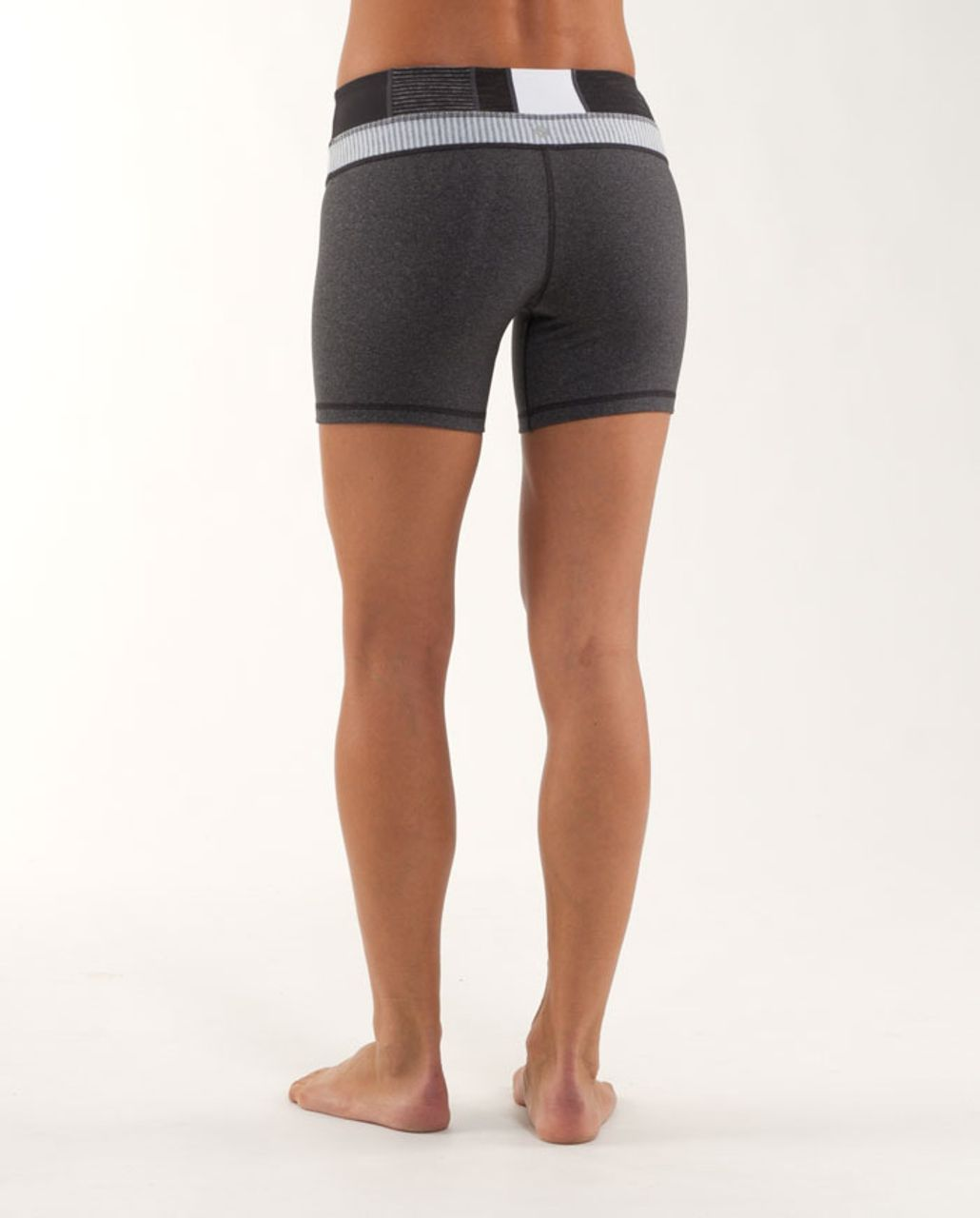Lululemon Groove Short - Heathered Deep Coal /  Quilting Winter 4 /  White Heathered Blurred Grey Mini Check