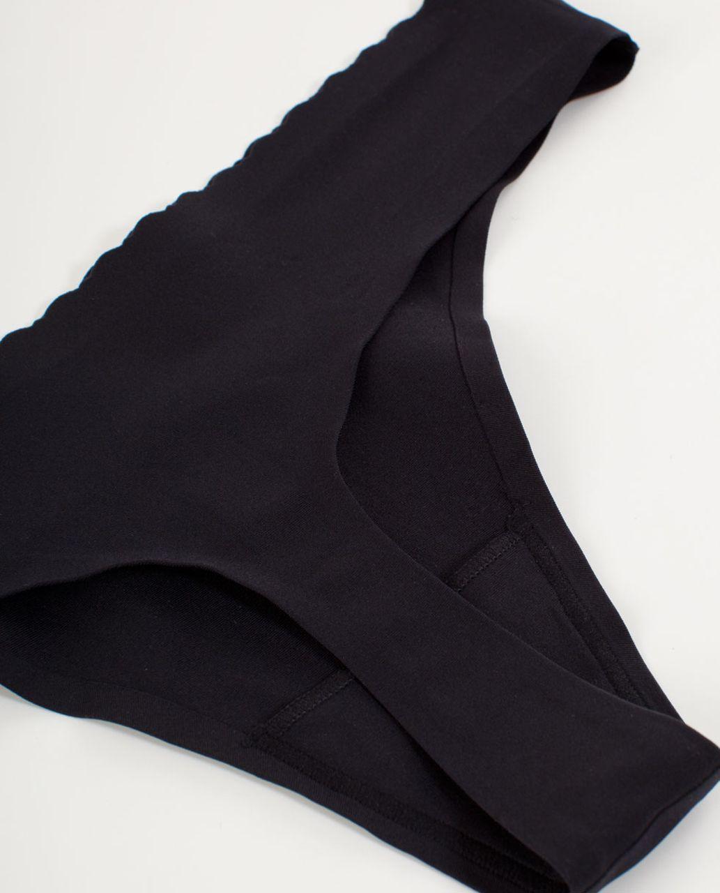Lululemon Groovy Thong - Black