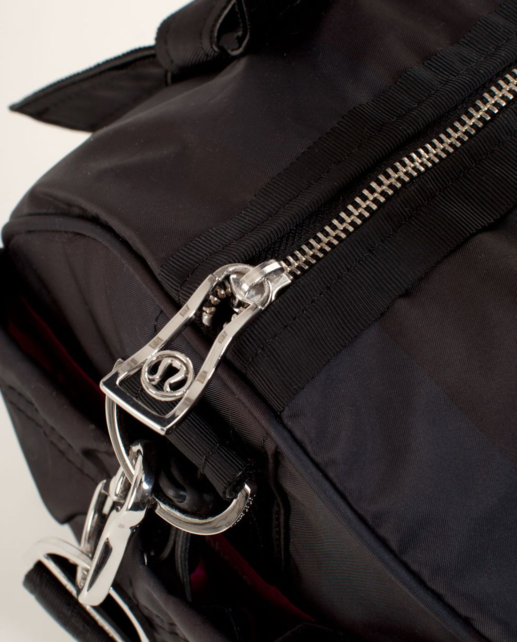Lululemon DTB Duffel - Deep Coal Black Wide Tonal Stripe
