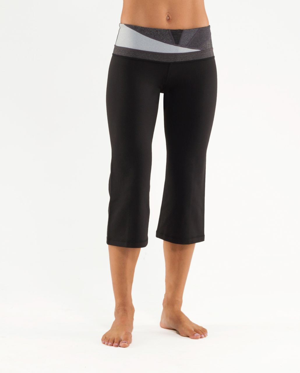 Lululemon Groove Crop - Black /  Quilting Winter 2 /  Quilting Winter 2