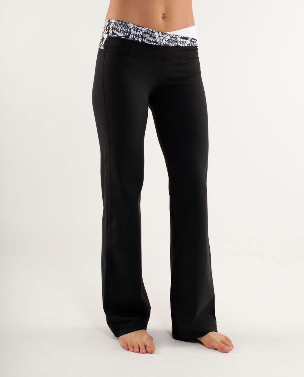 Lululemon Astro Pant (Tall) - Black /  Black Glacier Lace Embossed /  White Black Glacier Lace