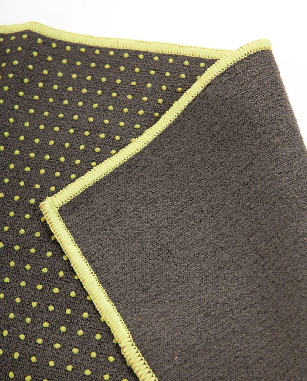 Lululemon Skidless Towel - Deep Camo