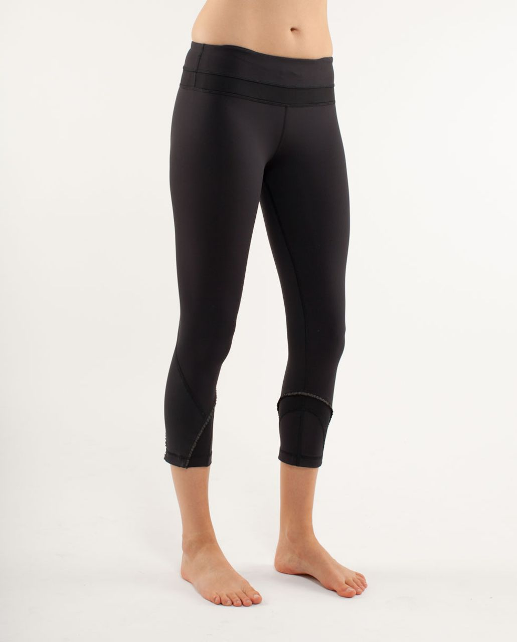 Lululemon Run:  Inspire Crop *Ruffle - Black