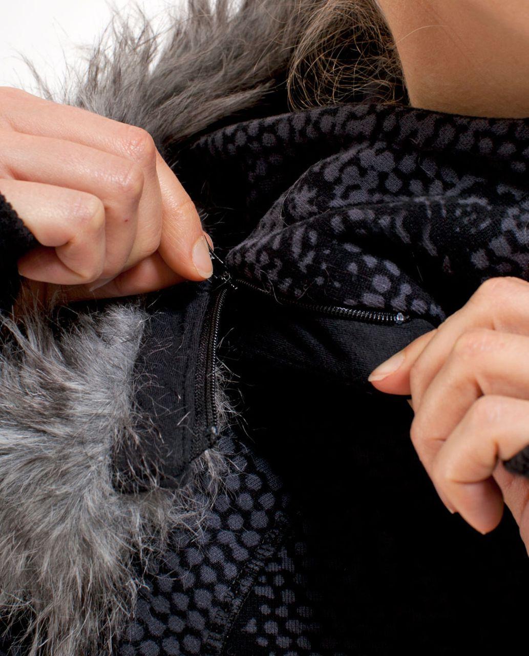 Lululemon Scuba Hoodie *Detachable Fur - Coal Black Orbit Lace Print
