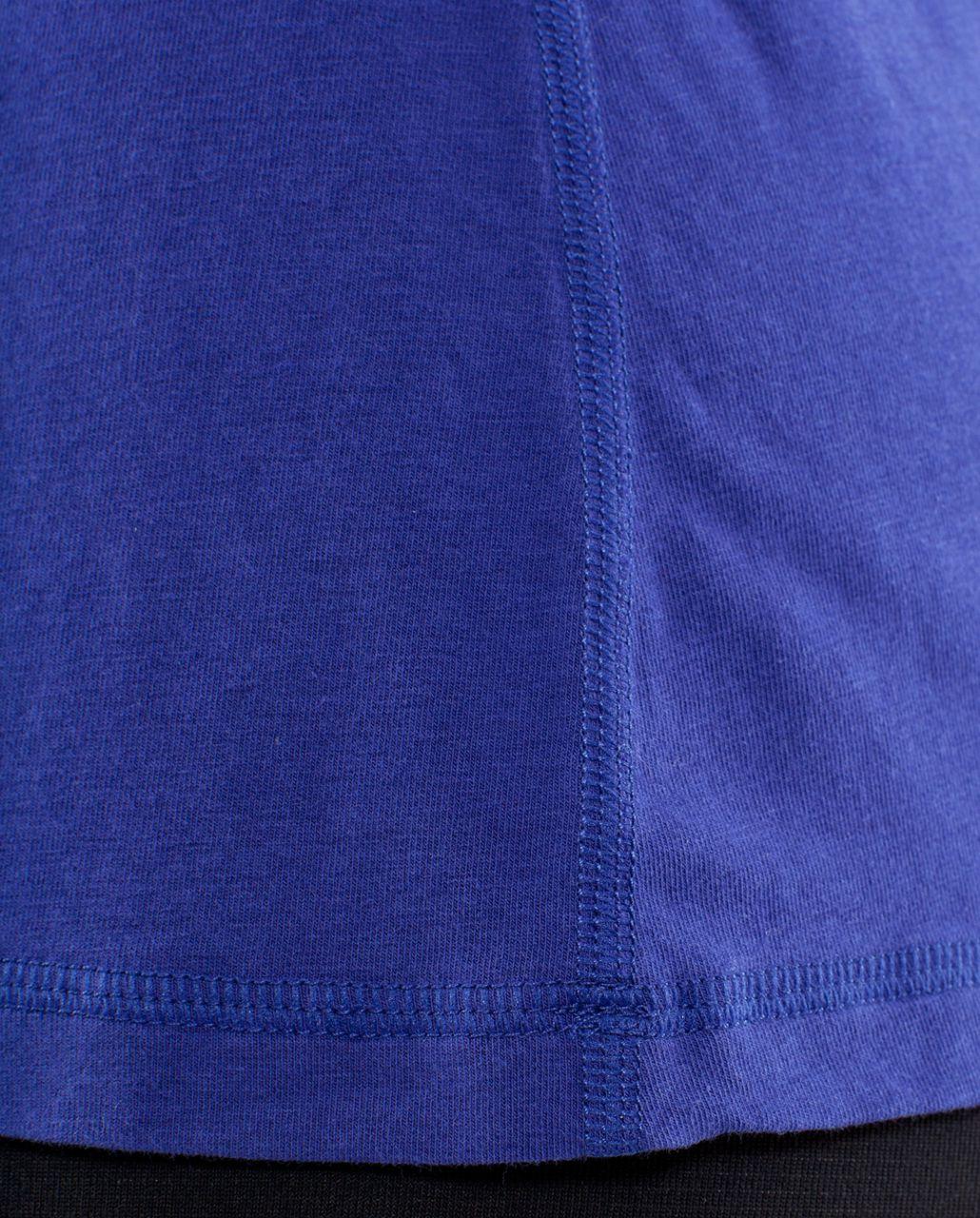 Lululemon Lively Crewneck Tee *Vitasea - Pigment Blue
