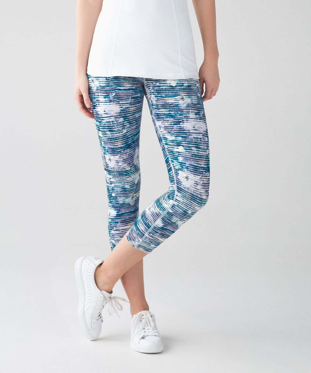 Lululemon True Self Crop II - Blurry Belle Multi