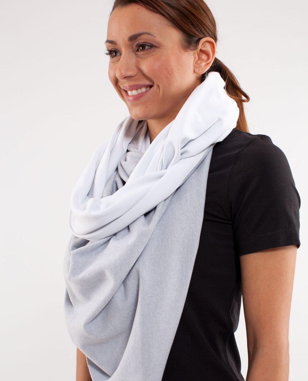 Lululemon Vinyasa Scarf *Rulu - White /  Wee Stripe White Heathered Fossil