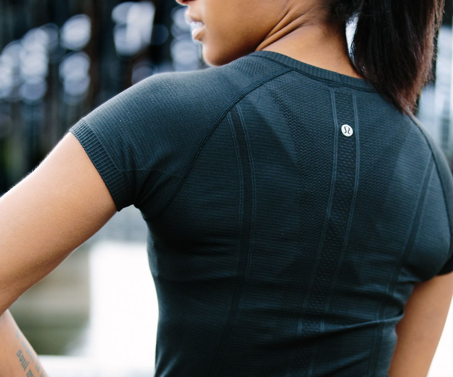 Lululemon Swiftly Tech Short Sleeve Crew - Black / Black