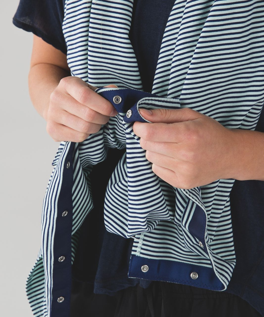 Lululemon Vinyasa Scarf - Hyper Stripe Sea Mist Hero Blue / Hero Blue