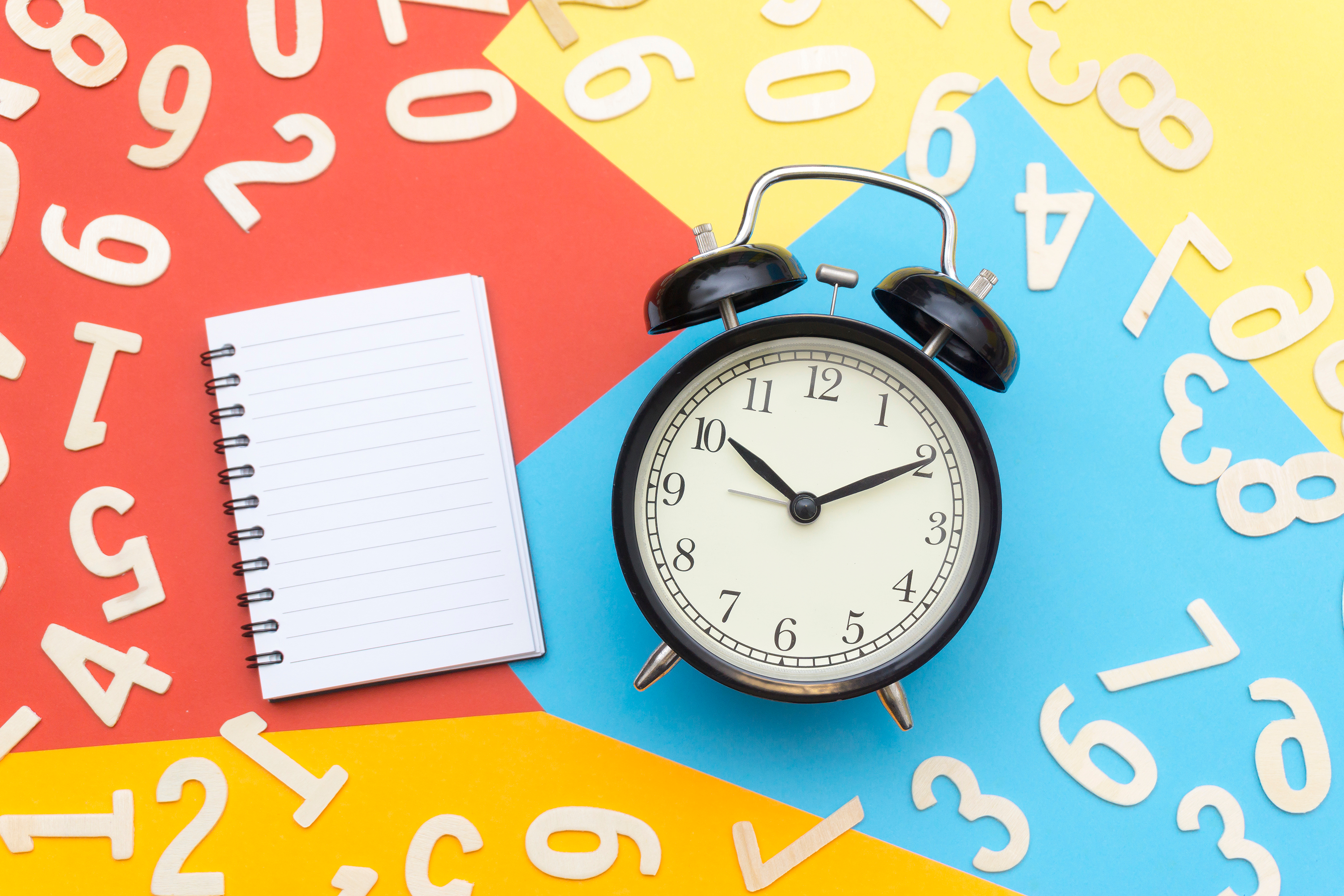 alarm clock and notepad; 1099-MISC deadline; Photo by Black  ice