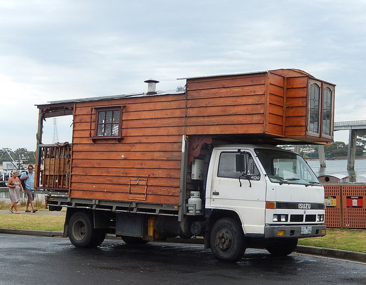 Big Boom of Tiny Homes on Flatbed Trailers 11