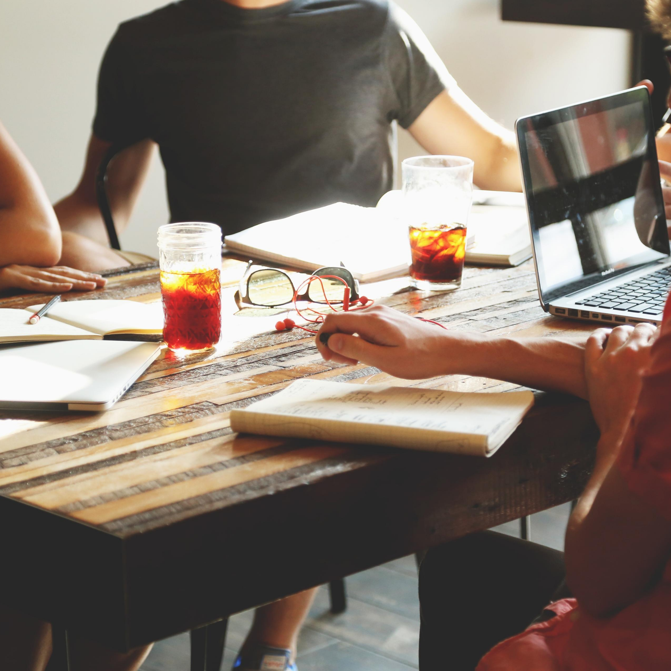 How to manage your remote sales team