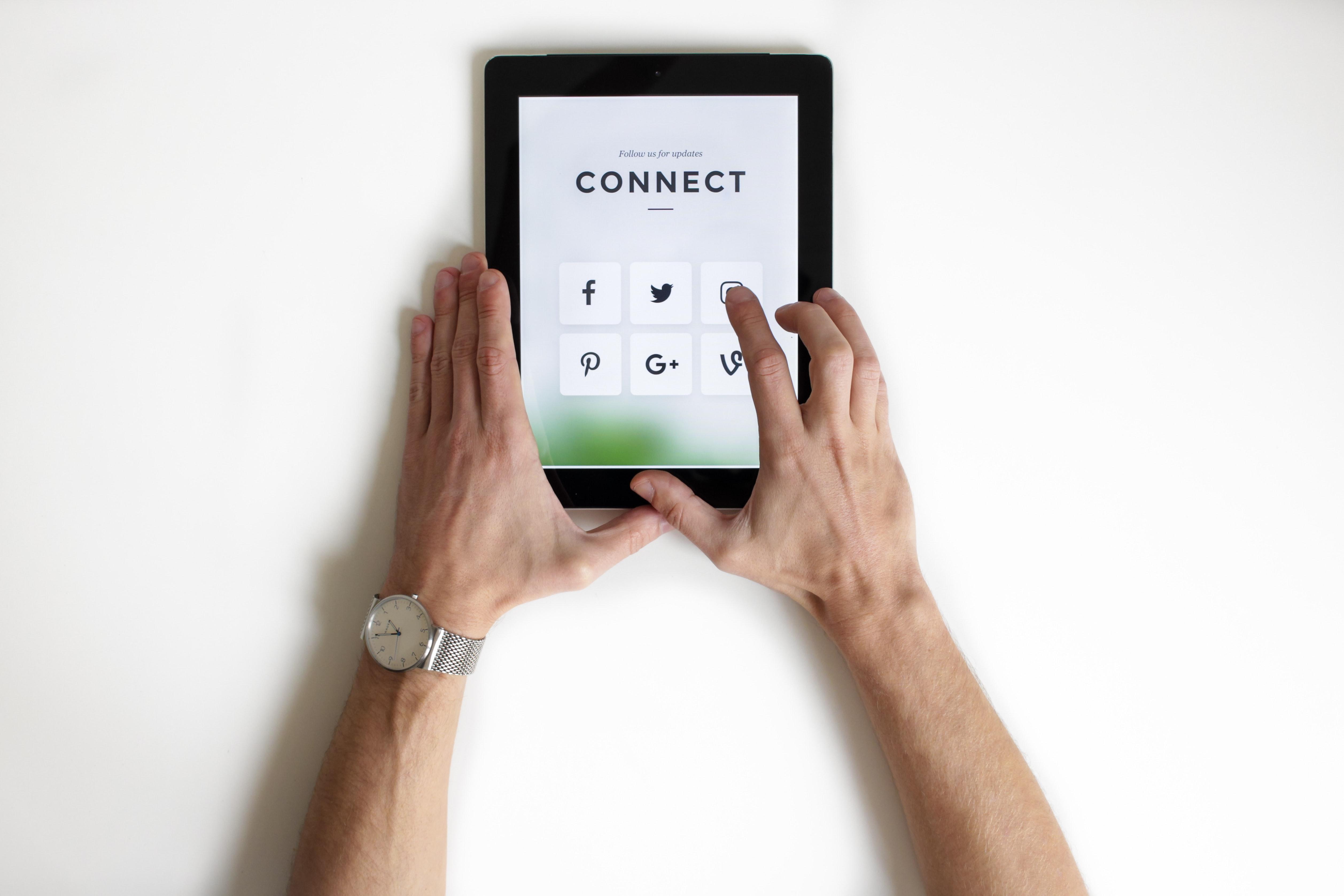 OC Interactive Digital Agency IvSsZ1HmtwGuQfJqv9ux Social Media Marketing for Restaurants: Things You're Missing Out Social Media    Image of IvSsZ1HmtwGuQfJqv9ux